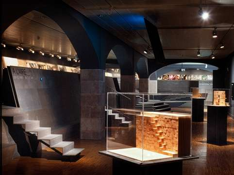Requiem for the staircase, 24/10/2001 - 27/01/2002, CCCB (Barcelona); photo via http://www.cccb.org/en
